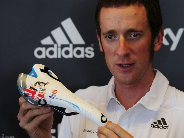 Bradley Wiggins shows off his new saddle