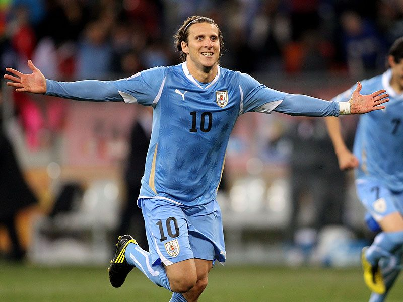 [CdM 2010] Les plus belles photos - Page 3 Diego-Forlan-Uruguay-Third-Fourth-Place-Play-_2476254