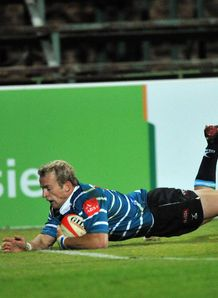 Sarel Pretorius try under lights