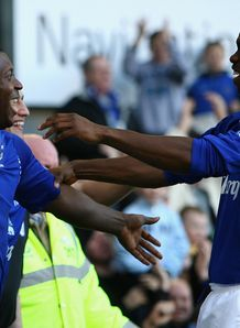 Toffees pair set for stay