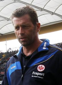Skibbe pens Frankfurt deal