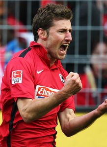 New Freiburg deal for Reisinger
