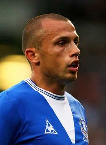 Heitinga open to Bayern move