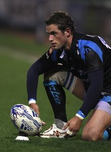 Nick Macleod eyeing up a kick