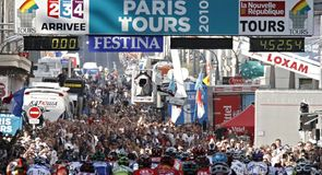 Paris-Tours Photo Gallery