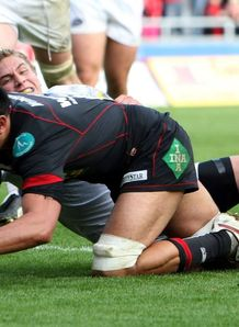 Jonny Fa amatuainu scoring against Leeds