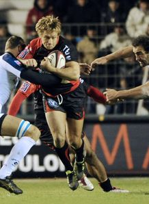 Jonny Wilkinson held against Montpellier