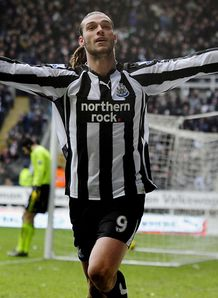 Magpies reject �23m Carroll bid
