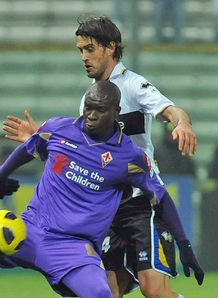 Crespo lifts Parma over Viola