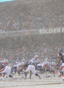 Soldier Field Patriots v Bears snow