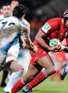 Toulouse s flanker Thierry Dusautoir v glasgow