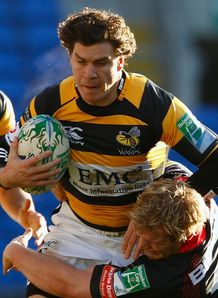 Wasps stand firm in Cardiff