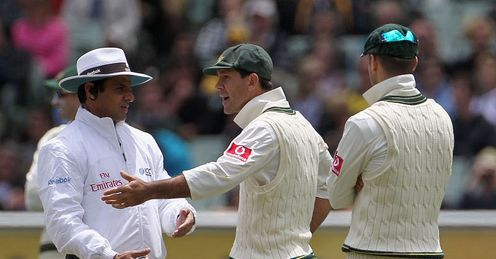 Heat of the moment: Ponting puts his case for Pietersen&#39;s dismissal to umpire Dar
