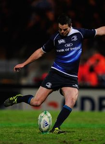 Jonathan Sexton of Leinster kicks a penalty