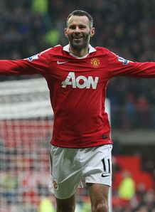 Giggs condemns Rooney actions