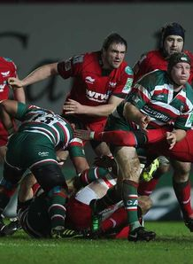 Tigers ease past Scarlets