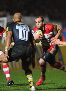 Charlie Sharples attacking against Wasps