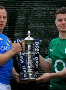 Leonardo Ghiraldini posing with Brian O Driscoll