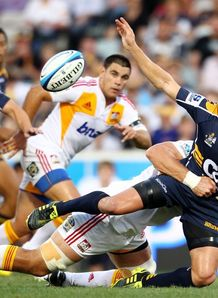 Matt Giteau offloading in Brumbies against Chiefs fixture