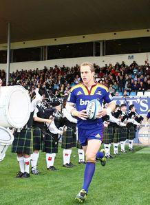 Jimmy Cowan leading out Highlanders