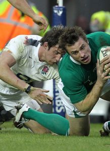 Tommy Bowe going over for Ireland against England