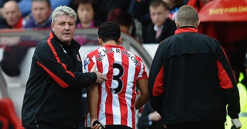 Kieran Richardson injured Sunderland Mar 2011