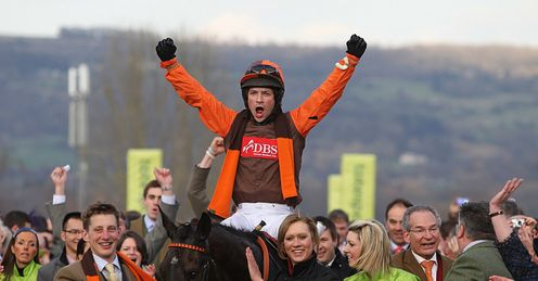 Long Run led in Cheltenham Gold Cup