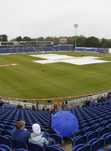 Yorkshire Bank 40: Rain halts Glamorgan's run