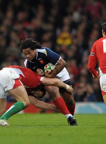 Mathieu Bastareaud v Wales Blitz defence