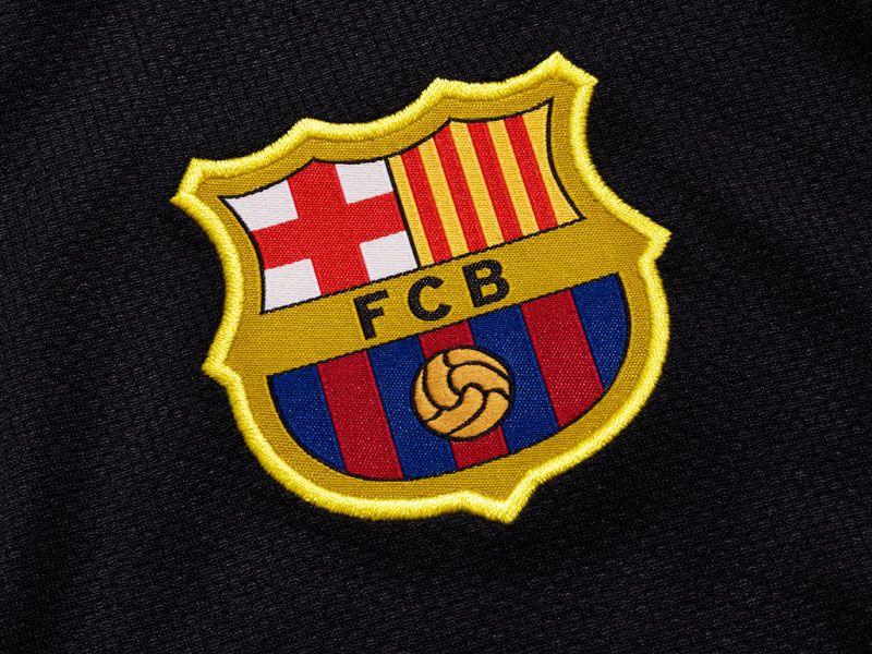 Barcelona-Away-Crest_2598467.jpg