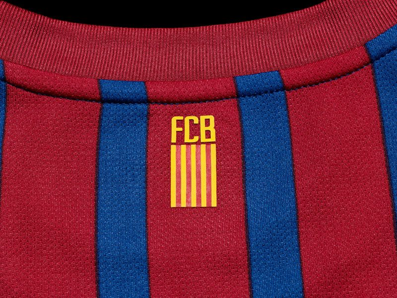 Barcelona-Home-Neck-Graphic_2598444.jpg
