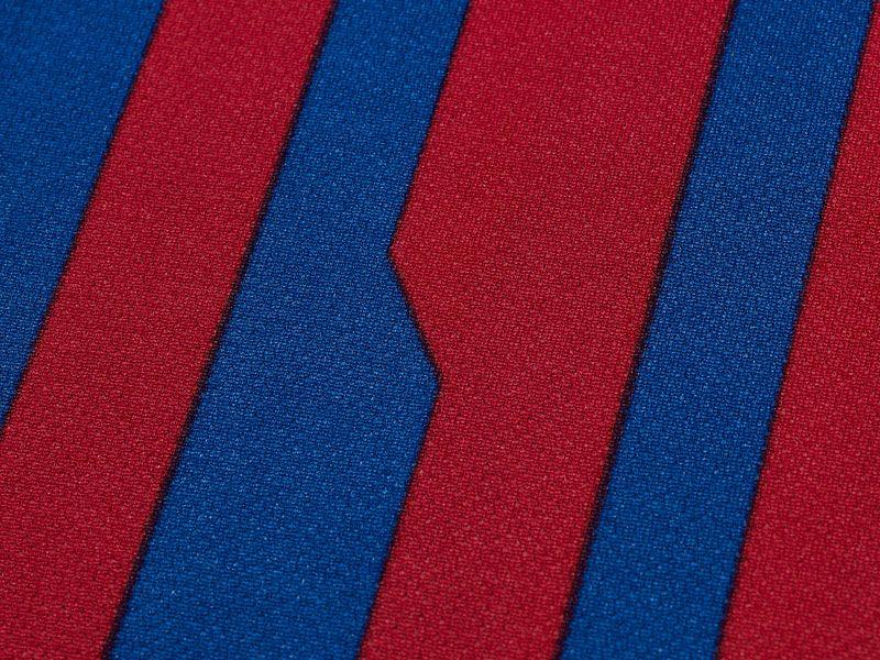 Barcelona-Home-Print-Detail_2598445.jpg
