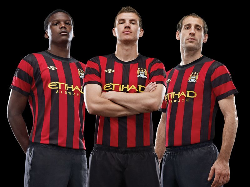 Manchester-City-Away-Kit-New-4_2600438.jpg