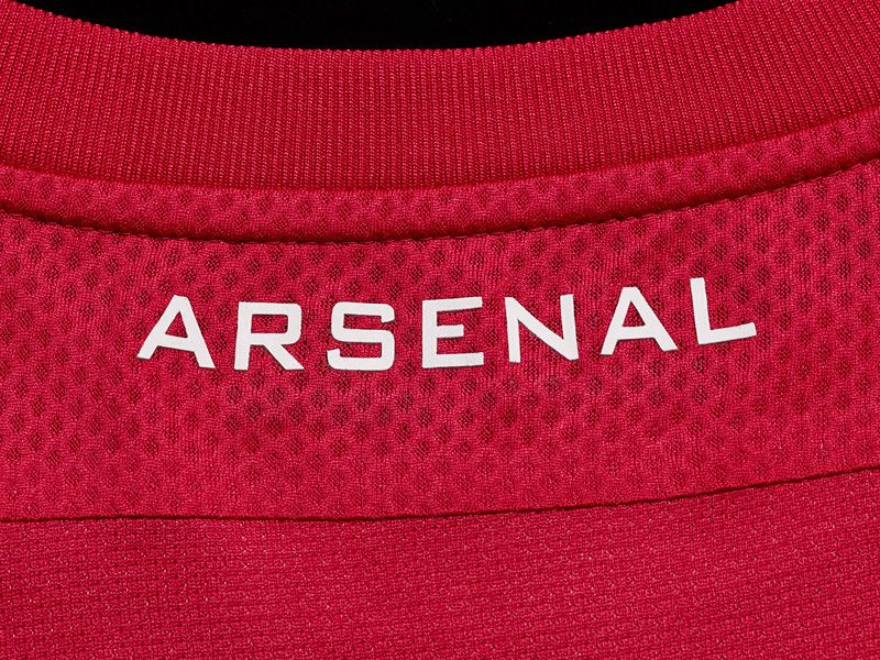New-Nike-Arsenal-Kit-08_2592432.jpg