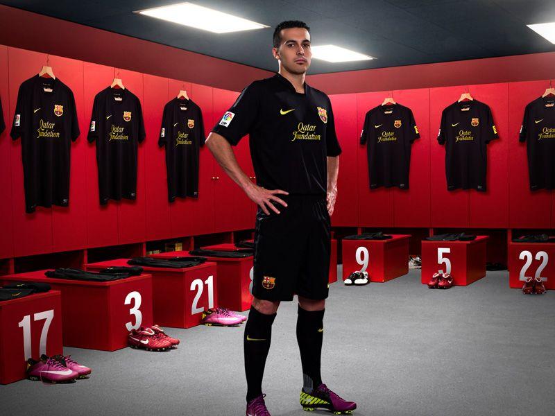 Nike-Barcelona-Away-Pedro_2598463.jpg