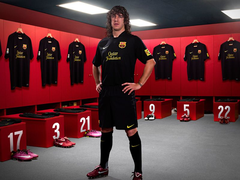 Nike-Barcelona-Away-Puyol_2598462.jpg