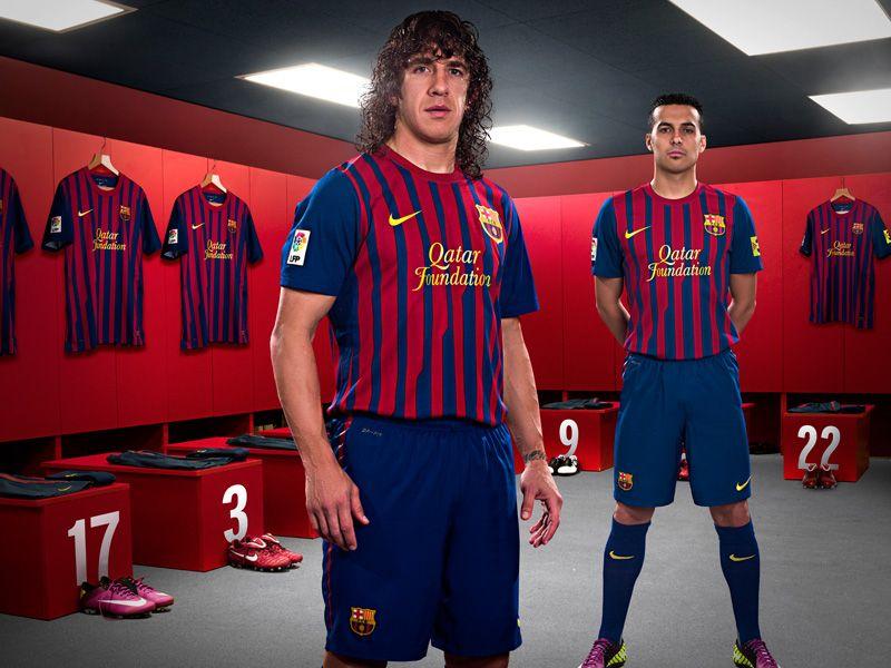 Nike-Barcelona-Home-Puyol-Pedro_2598452.jpg
