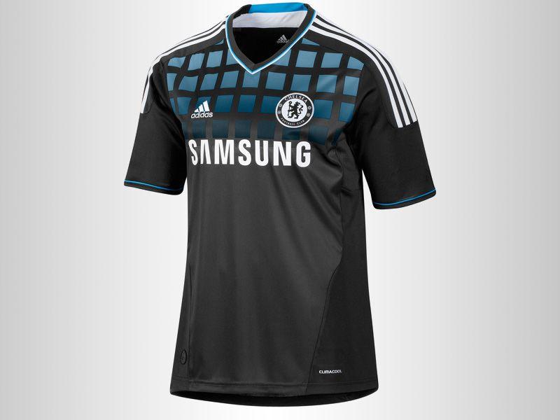 Chelsea-Home-Kit_2609456.jpg