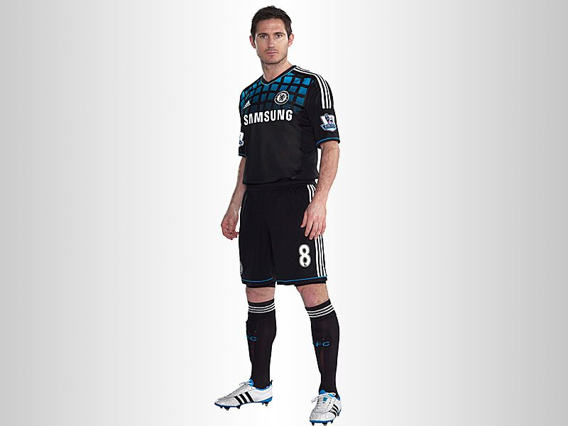 Frank-Lampard-Chelsea-Home-Kit-2_2609452.jpg