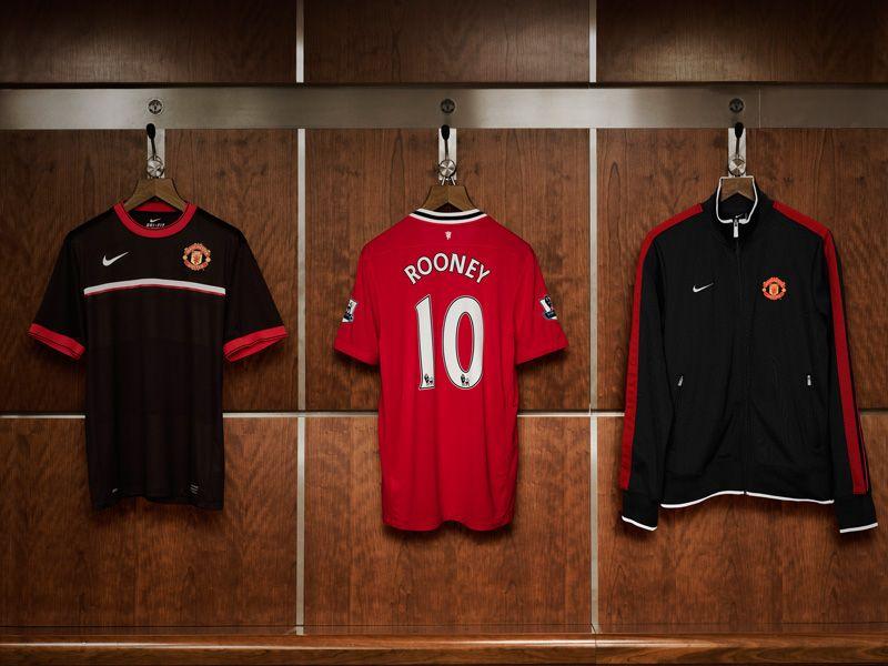 Nike-Man-Utd-Home-CTE_2605329.jpg