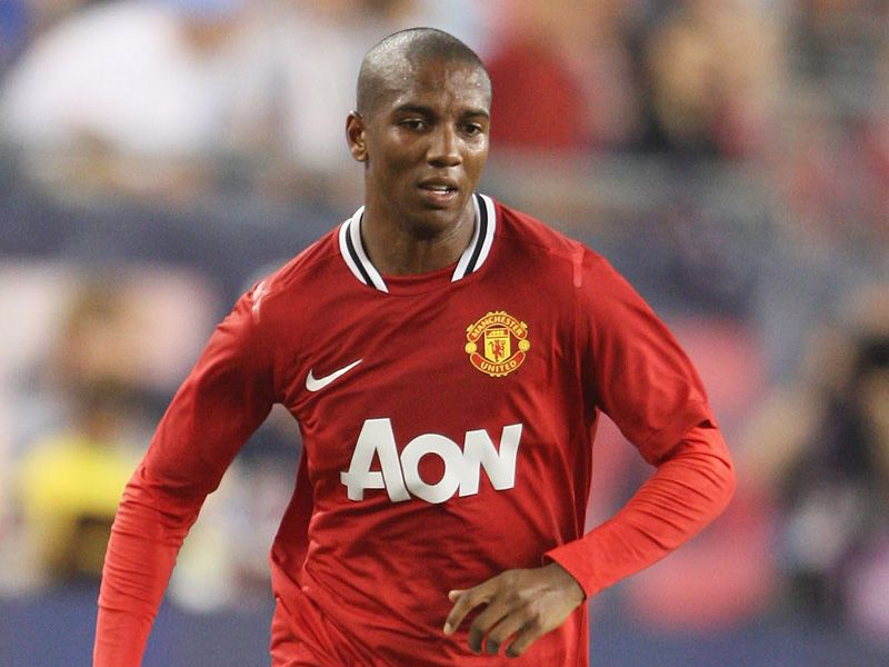 Ashley-Young-Manchester-United-New-England-Re_2621915.jpg