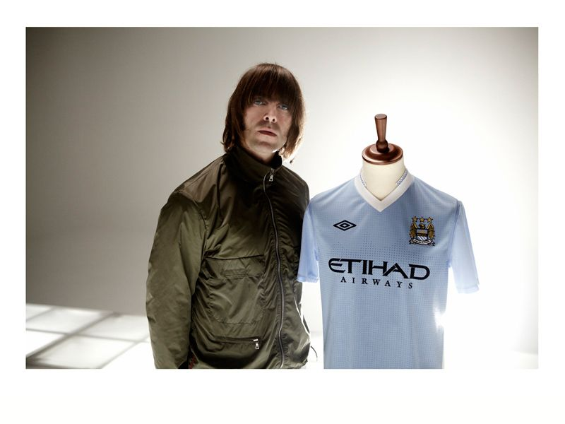 Liam-Gallagher-Manchester-City-Home-Kit-2011-_2622515.jpg