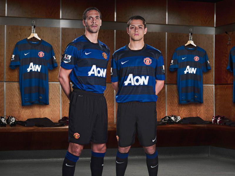 Rio-Ferdinand-Hernandez-Manchester-United-Awa_2623554.jpg