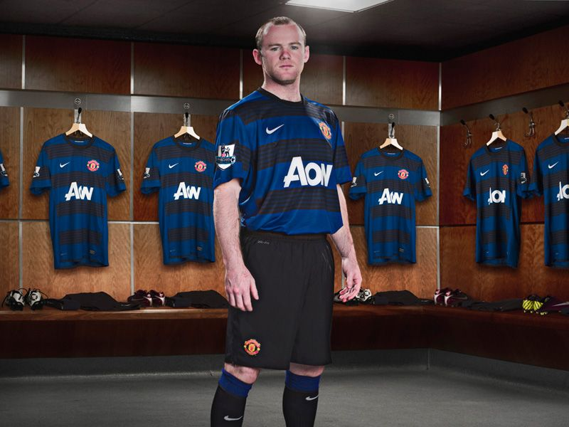 Wayne-Rooney-Manchester-United-Away-01_2623558.jpg