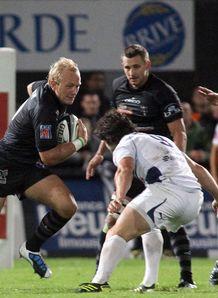 Brive s British fly half Shane Geraghty v Agen