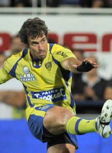 Clermont s Australian fly half Brock James t14 2011