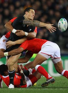 Sonny Bill Williams offload for New Zealand against Tonga in World Cup