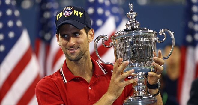 Novak-Djokovic-US-Open-Trophy_2650463.jpg