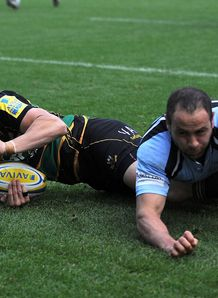Vasily Artemyev scoring for Northampton Saints