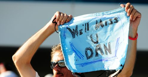 Fan farewell: an IndyCar fan pays his own tribute to Dan Wheldon